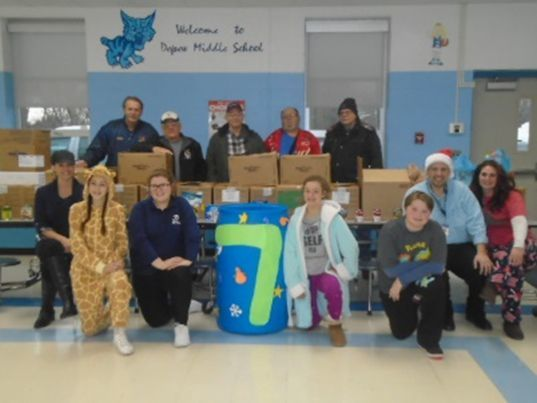 Collecting Over 1,000 Food Items, DMS Staff and Students Help Others